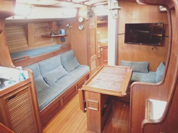 Boat tour D
