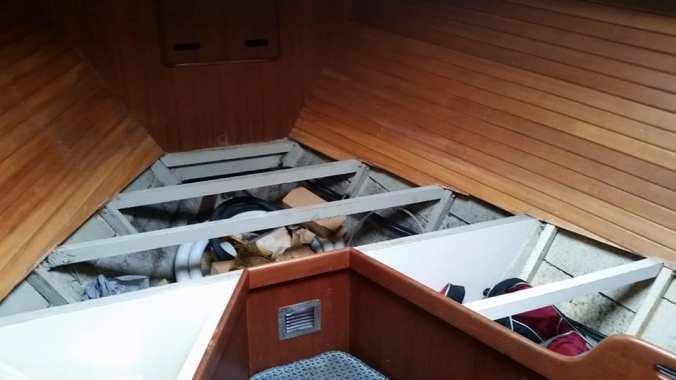 mosaic voyage - family preparing for longterm sailing