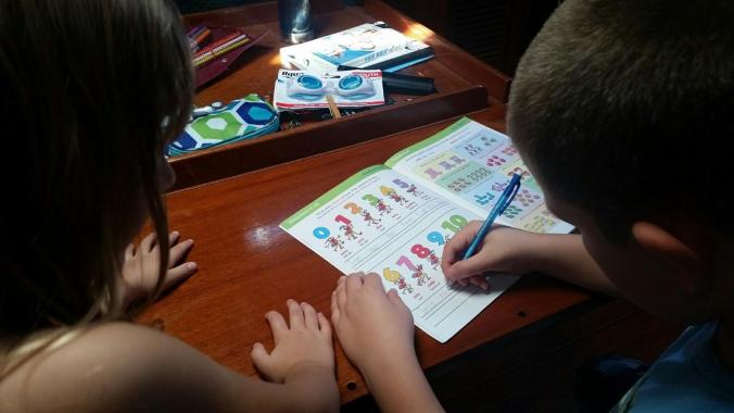 Mosaic Voyage kids learn Spanish in boatschooling