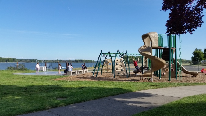 St. Helens Oregon public docks - cruiser's review May 2019 Play structure with water feature at St Helens Public Docks