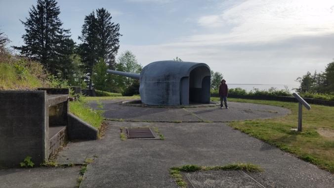 Homeschooled cruising boat kids explore Fort Columbia