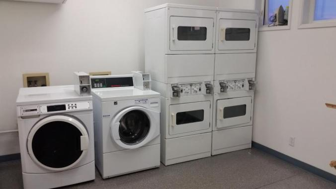 Elliot Bay Marina Cruisers Review - Laundry